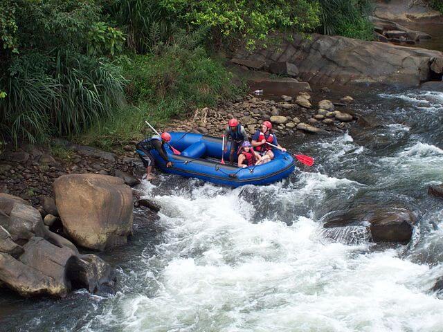 Kelani_Ganga_Rafting_-_panoramio