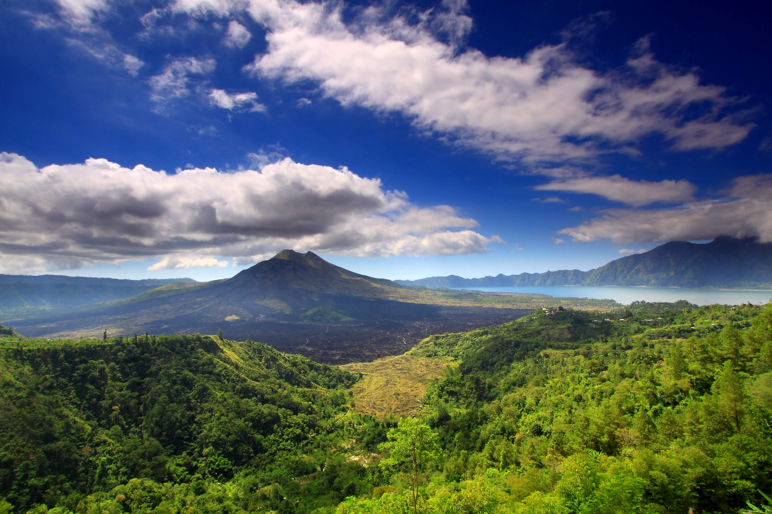 Mount_batur_and_lake_bali_indonesia